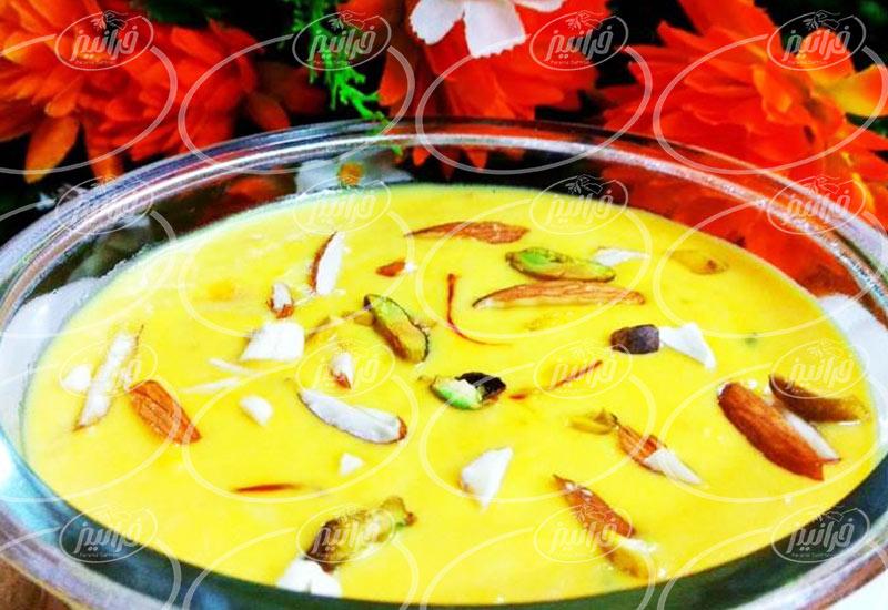 تهیه پودر غبار زعفران برای رستوران ها